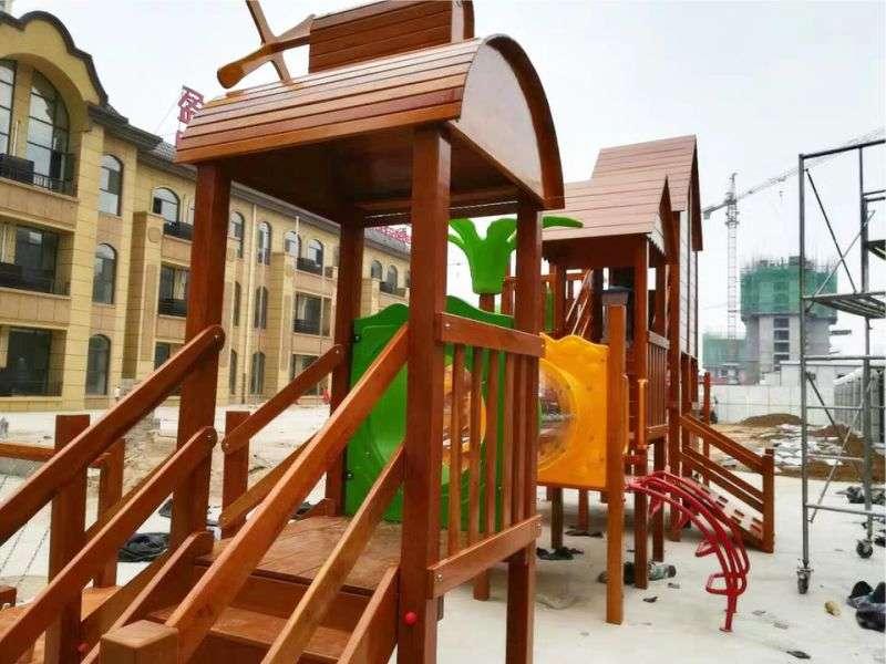 木质组合滑梯