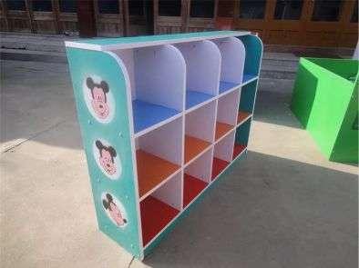 永温幼儿园玩具柜