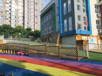成都38幼儿园攀岩墙