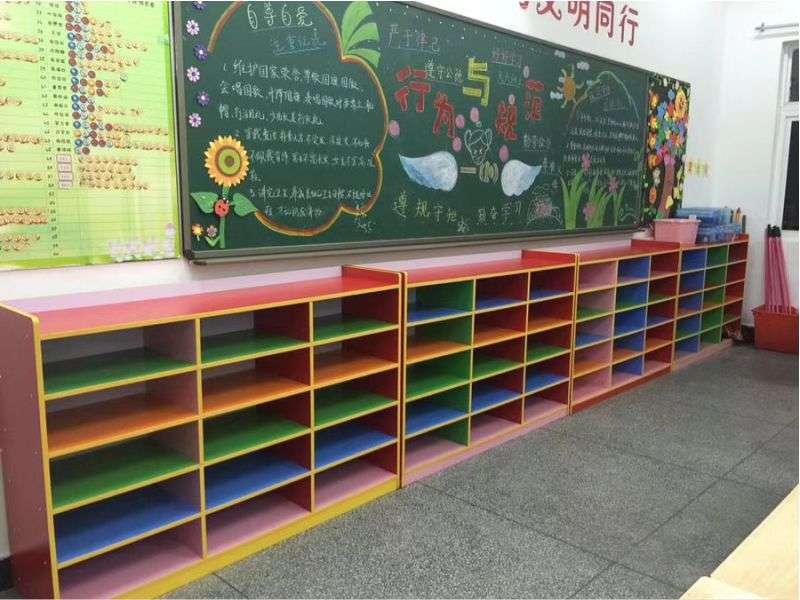 免漆板玩具柜
